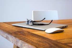 glasses examine laptop